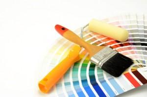 Wohnzimmer zweifarbig streichen
